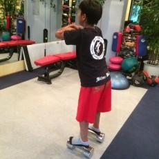 子どもも適切な量の正しいフォームの運動が重要です