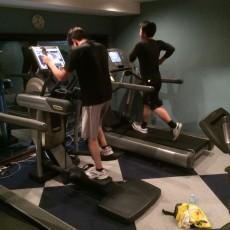デキる男は仕事終わりにトレーニング?!