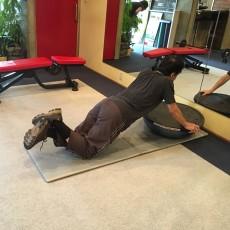 シニア世代の方もトレーニング