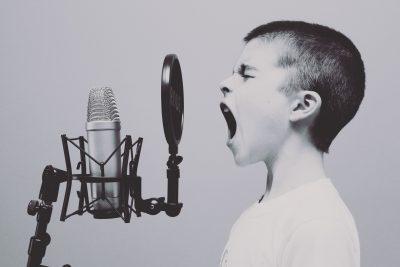 microphone-1209816_1920