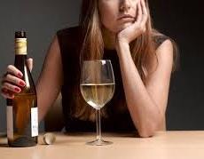 アルコールはカロリー計算に計上するべき?