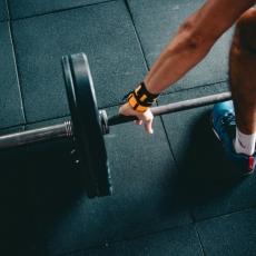 筋トレのパフォーマンスを上げてくれるトレーニングギア
